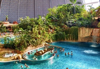 A_04-BERLIVERY-Berlin-tropical-islands-